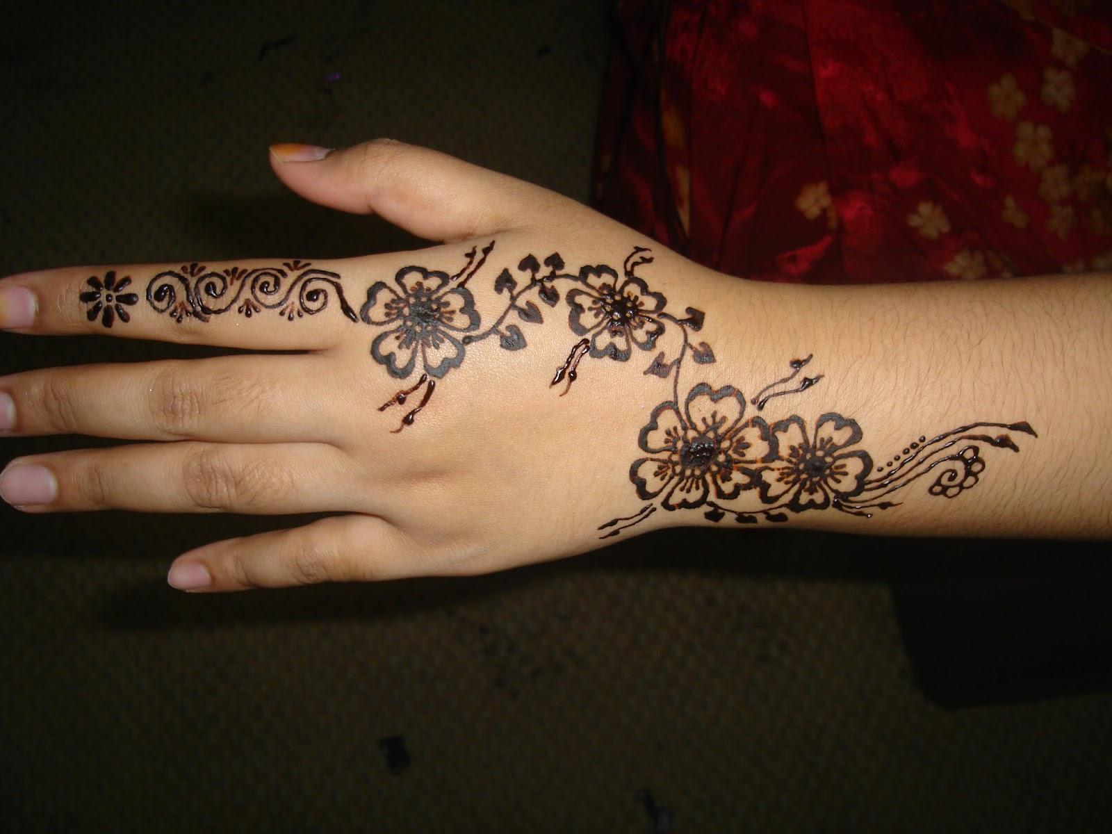 Gambar Henna Di Jari Tangan Balehenna