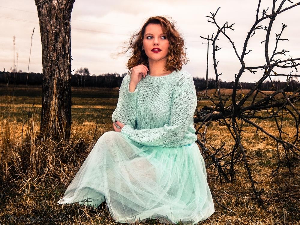 photoshoot model melodylaniella tuilowa mietowa pistacjowa spodnica dresslink jakosc ubran firma sweter mietowy sweterek style fashion moda models