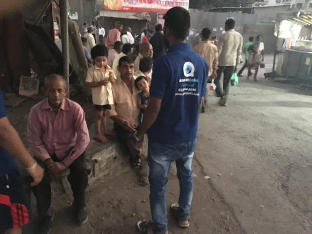 AasaanJobs organizes a camp to make the lower-middle class individuals aware about PM's new Demonetization drive