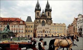 منح لدراسة البكالوريوس والماجستير مقدمة من كلية براغ بجمهورية التشيك