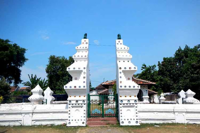 Tempat wista hits keraton kanoman cirebon jawa barat