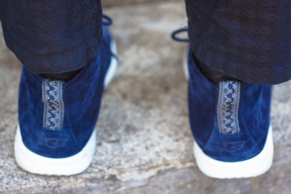menstyle details - jonthegold blog x its true blog - navy blue looks style fashion as celebration for nationale dag van de communicatie in amsterdam near vapiano central station - ugg sneakers zara pants h&m blazer crisitano native youth coat ronaldo cr7 menswear fashion bloggers united