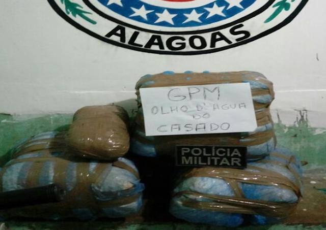 Dois homens são presos  em Olho D'Água do Casado com  mais de 35kg de maconha