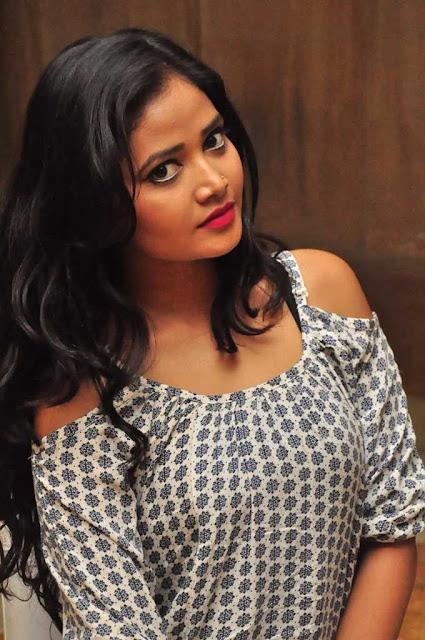 Shreya Vyas (2).jpg