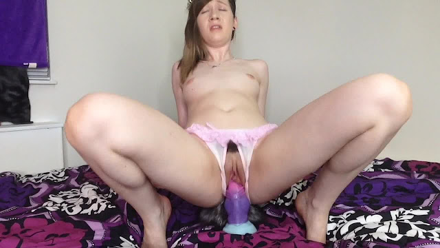 Girl sucks dads dick