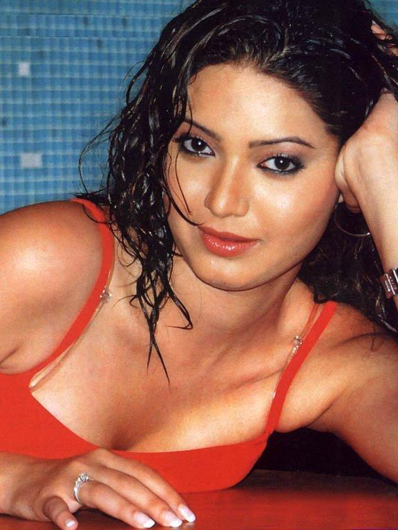 Raima Sen Karishma Tanna Hot Photo Shoot-9037
