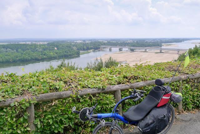 De Paris à Angers par la Loire à vélo, Saumur