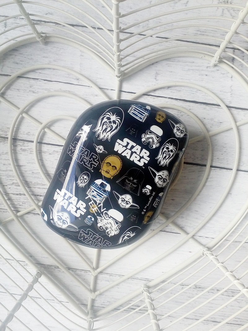 Szczotka kompaktowa Tangle Teezer z motywem Star Wars na ratunek kręconym włosom, recenzja.