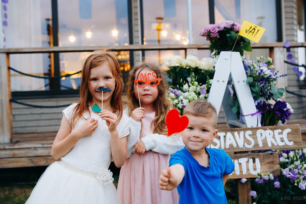 Bērni kāzās – kā visu sagatavot un ar ko nodarbināt