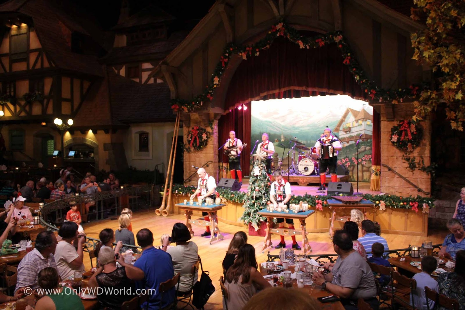 Beer Garten Disney World Dining Biergarten Restaurant Disney World