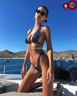 Emily+Ratajkowski+in+Bikini+Sexy+Smooth+small+Naked+Ass+in+Thong+Bikini+July+2018+%7E+CelebsNext.xyz+Exclusive+Celebrity+Pics+007.jpg