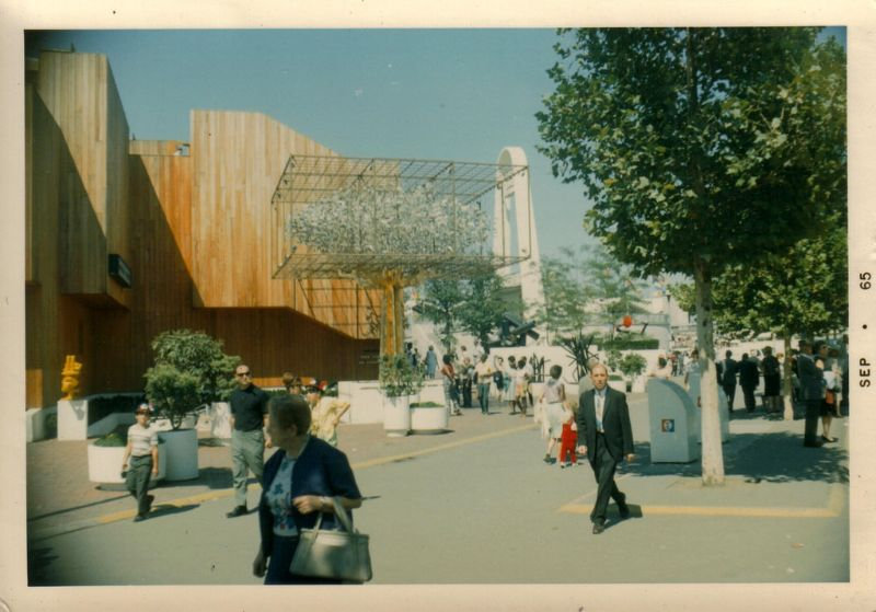 45 Amazing Found Snaps of the 1964 New York World's Fair