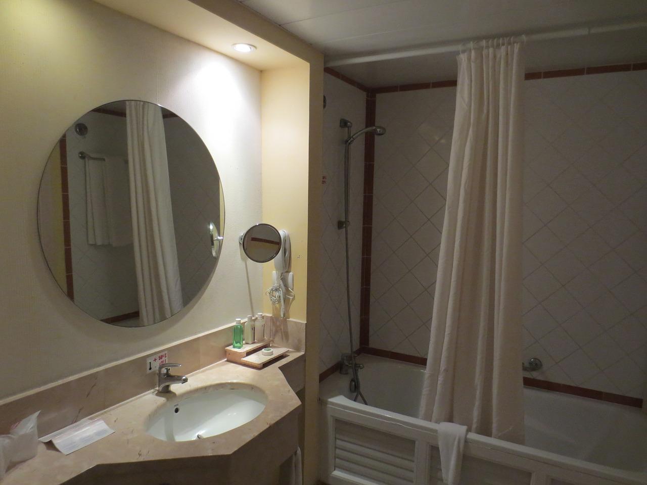 teleskop duschvorhangstange montieren anleitung und tipps. Black Bedroom Furniture Sets. Home Design Ideas