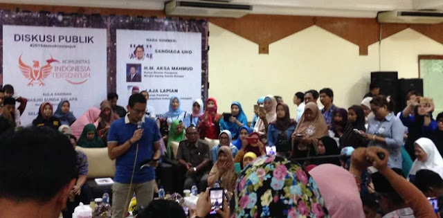 Datangi Acara di Masjid Sunda Kelapa, Sandiaga Uno Diserbu Emak-emak