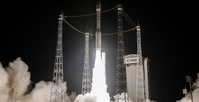 Liftoff of the Vega rocket on flight VV09 with the Sentinel-2B satellite, March 6, 2017. Photo Credit: ESA / CNES / Arianespace