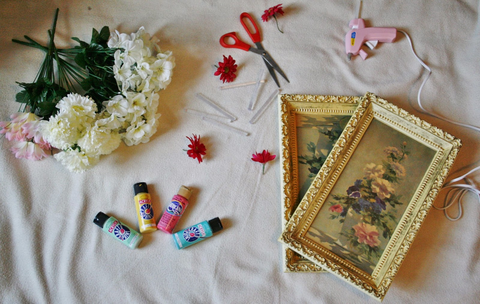 Rags And Roses: DIY: Floral Monogram Frames