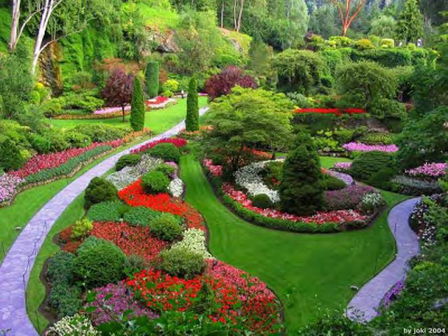 Taman yang cantik, indah dan dijaga serta di dekorasi sebaiknya dapat menawan dan mempersonakan pandangan untuk ketenangan