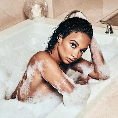 Draya Michelle Shares Naked Bathroom Photo.