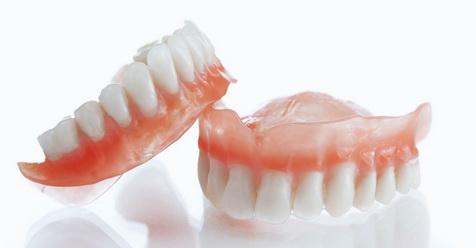 Ini Hukum Memakai Gigi Palsu Menurut Islam