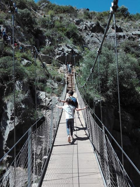 Sendero niños Chulilla puentes colgantes
