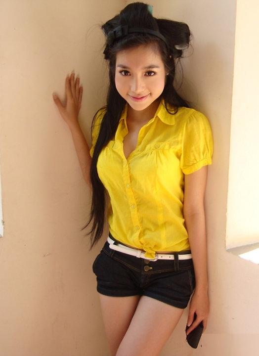Vietnam Elly Tran Ha