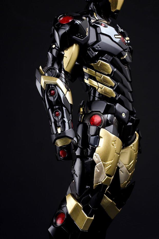 "Black And Gold Christmas: 千值練BLOG中文版: A Look At The Dark Iron Man "" Black X Gold"