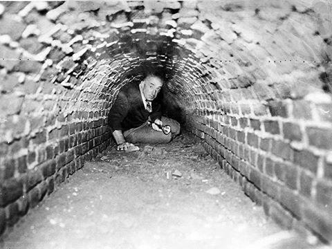 11145232 983116898412717 7190198855650722603 n - رجل يقضي 37 عاماً في قبو تحت الأرض لسبب غريب ؟!