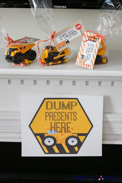 free construction party printables and construction party favors at a construction themed birthday party