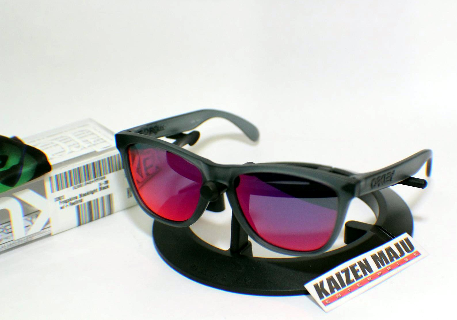 Oakley Frogskins Blacklight Black Red Iridium Kaizen Maju