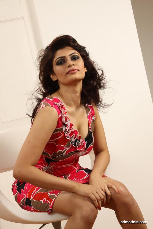 Hirunika Premachandra hot - Lankan Stuffs