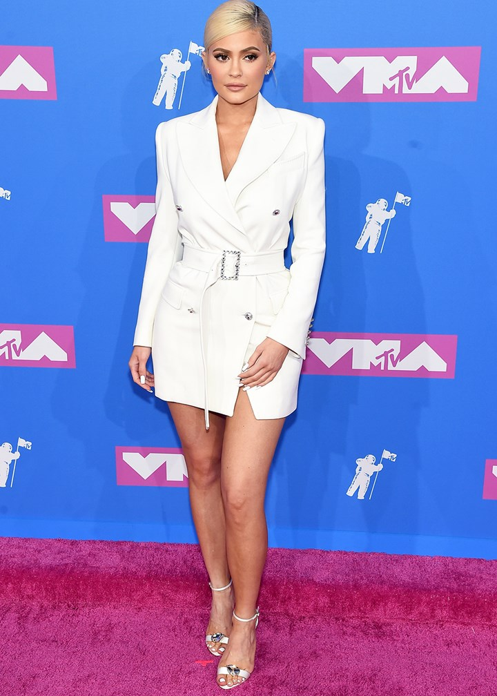 Kylie Jenner bares long legs at the 2018 MTV VMAs