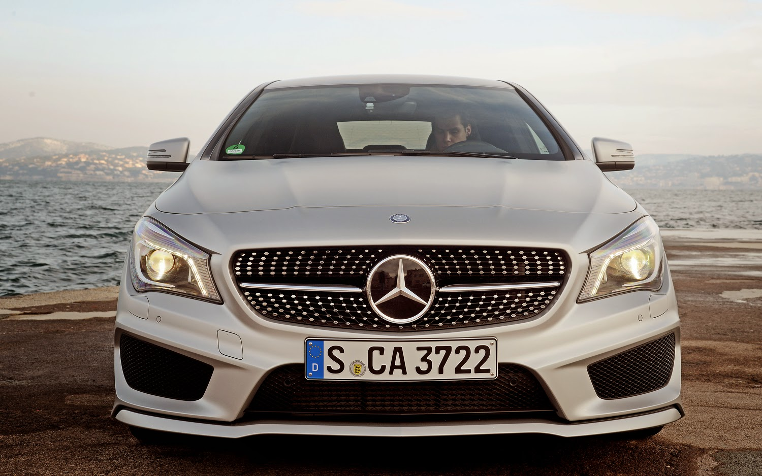 2014 Mercedes-Benz CLA250 - Review and Design | Up Cars