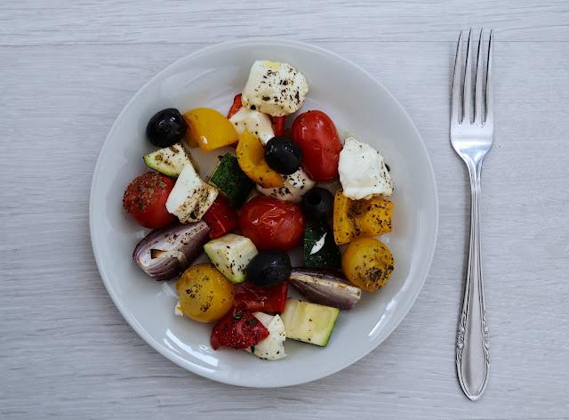 fetasalaatti uunissa kreikkalainen salaatti