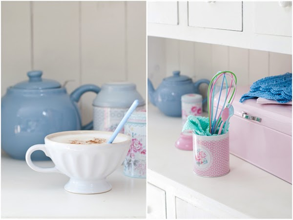 A lovely cappuccino with a rice dk pastel spoon and a pastel rice dk whisk in a greengate tin
