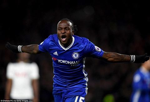 Moses được triệu tập về Chelsea