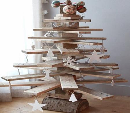 Árvore de Natal de madeira