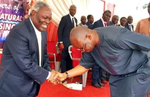 I'll Soon be at Peace! - Gov. Fayose Spotted Totally Bowing to Pastor Kumuyi in Ekiti