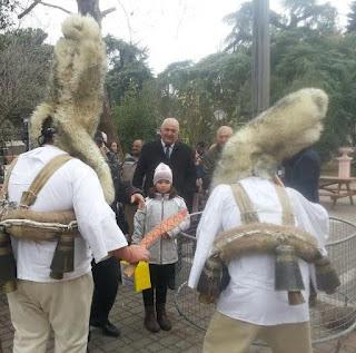 Κάλαντα Πρωτοχρονιάς, στο «Πάρκο των Χρωμάτων» άκουσε ο Δήμαρχος Κατερίνης Σάββας Χιονίδης