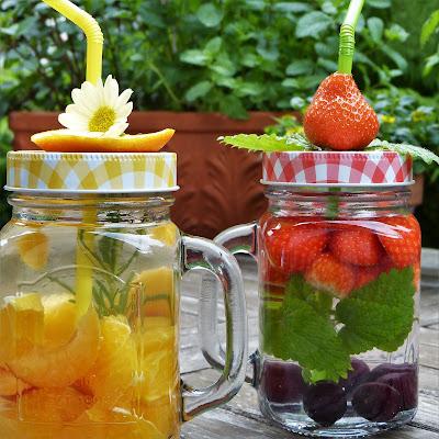 Agua perfumada con frutas