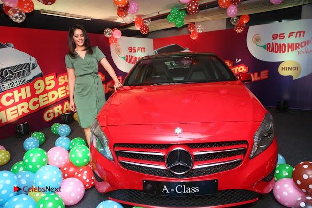Raashi Khanna at Mirchi 95 Suno Mercedes Jeeto Contest Stills  0035