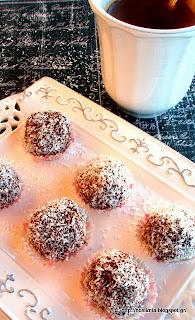 Υπέροχα τρουφάκια καρύδας χωρίς ζάχαρη