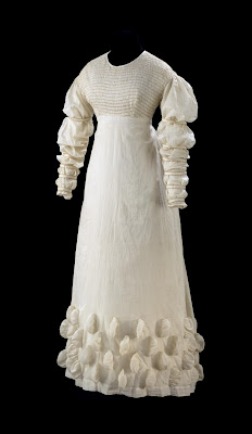 Dress, 1816-1821, Design unknown, Victoria and Albert Museum, London