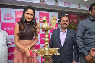 pragya jaiswal bnew mobile store launch 06