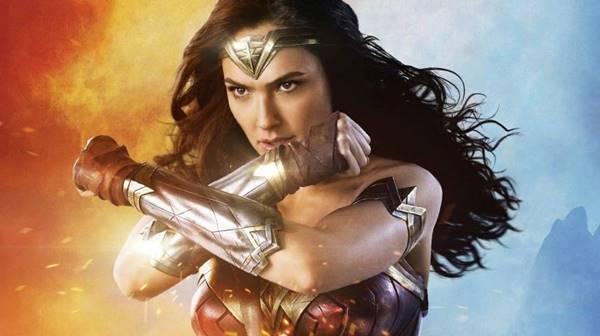 Top 10 Peralatan dan Senjata Wonder Woman dalam Komik DC