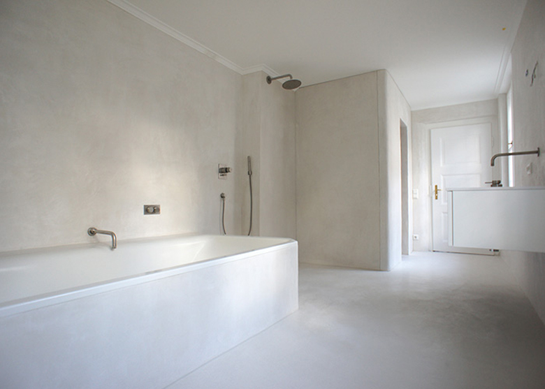 Tadelakt - tynk marokański - w łazience.