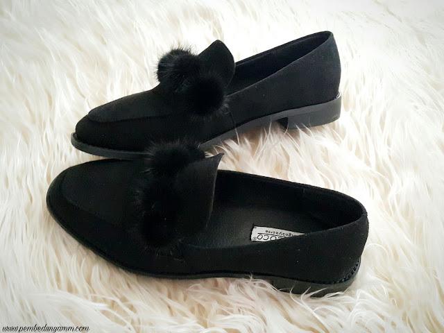 ponponlu ayakkabı