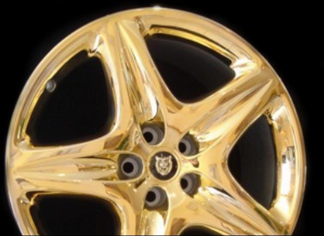 Image result for elg Mobil Terbuat dari emas 24 karat, Pelek 19-inch yang sempurna untuk jalan-jalan di dunia