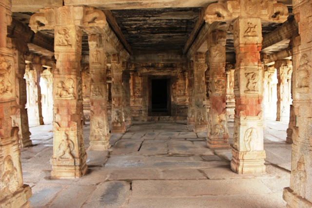 Pillared hall in front of central sanctum - Bala Krishna Temple Hampi