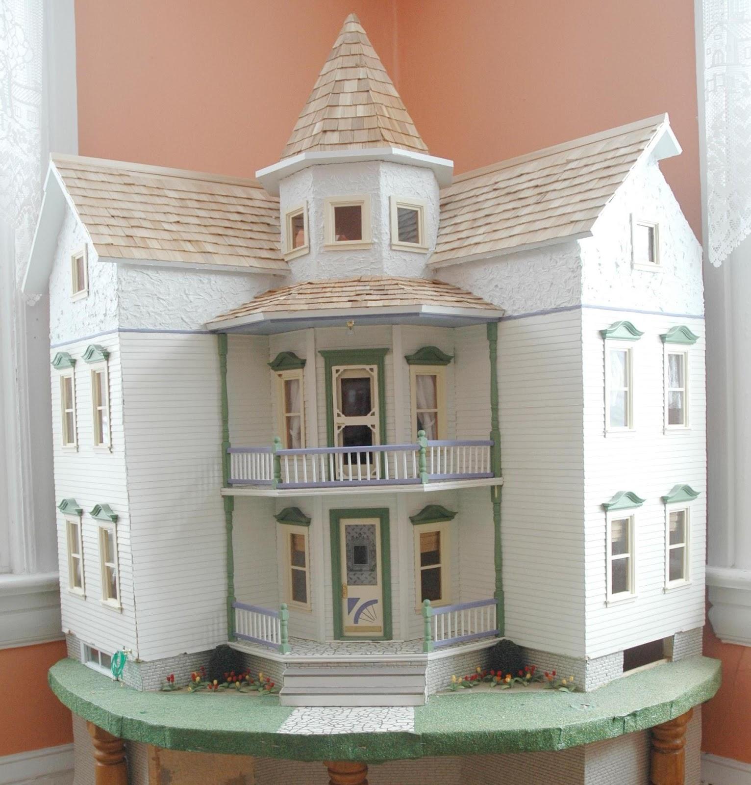 Honey, I Shrunk The House!: Sea Side Villa