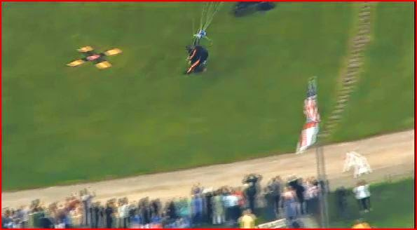President Bush parachute jump randommusings.filminspector.com